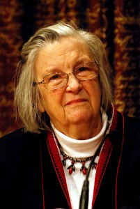 Elinor Ostrom, courtesy © Holger Motzkau 2010, Wikipedia/Wikimedia Commons (cc-by-sa-3.0)