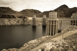 """system water"" behind Hoover Dam - the ""paracommons"", wet water style"